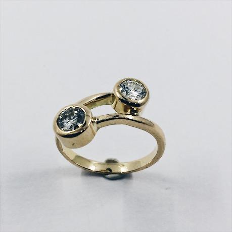 f5564578fd83 Anillo de oro y brillantes