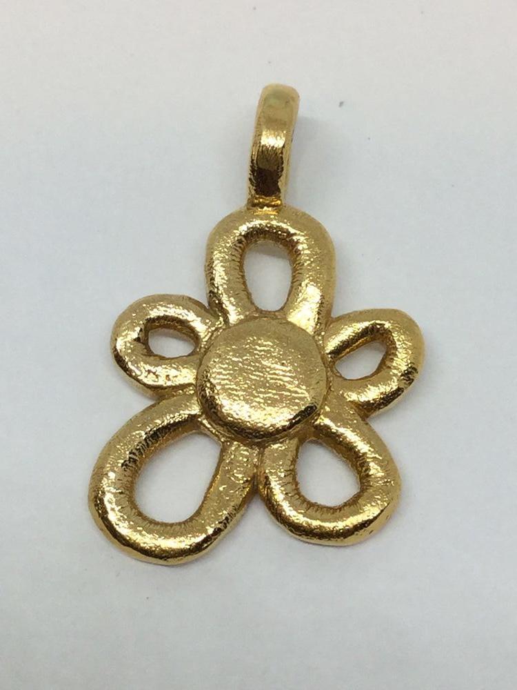 4b08f0f77bca Flor para colgante en oro Tous
