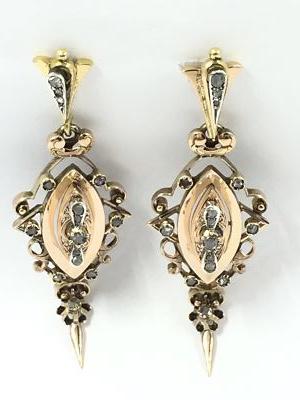 3be8233d96a4 Pendientes antiguos en oro y diamantes